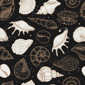Zomer naadloze patroon met schelpen en mosselen.