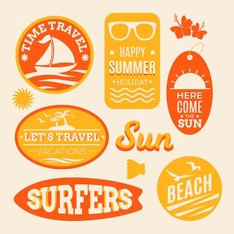 Zomer strandreizende stickers in jaren 70 stijl
