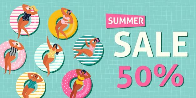Zomer verkoop banner met meisjes op opblaasbaar in zwembad drijft