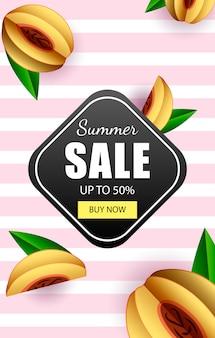Zomer verkoop tot 50% bannermalplaatje met winkel nu knop en tropisch fruit.