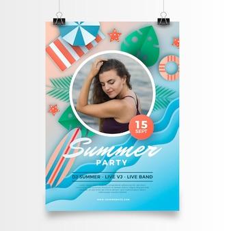 Zomerfeest verticale poster sjabloon in papieren stijl met foto