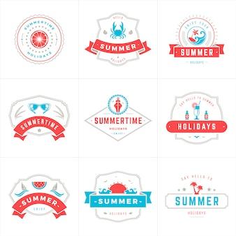 Zomervakantie labels en badges typografie vector ontwerp