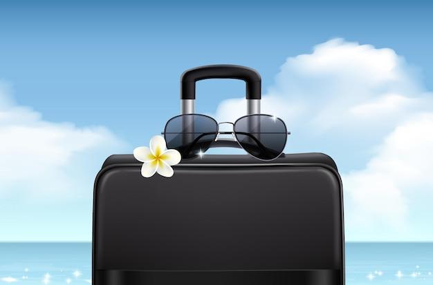 Zonnebril realistische zomercompositie met heldere zeelucht en reisetui met donkere lensbril