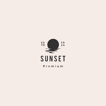Zonsondergang logo pictogram zee golf kust illustratie hipster vintage retro
