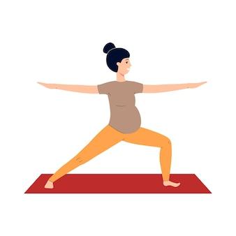 Zwangere vrouw doet prenatale yoga op een mat
