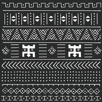 Zwart en wit stammen etnisch patroon met geometrische elementen, traditionele afrikaanse modderdoek, stammenontwerp