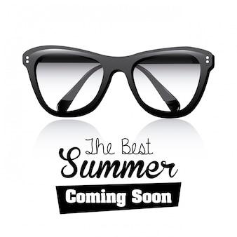 Zwarte bril in de zomer