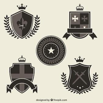 Zwarte en grijze ridder embleem sjablonen Gratis Vector