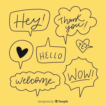 Zwarte hand getrokken tekstballonnen op geel