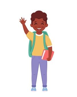 Zwarte jongen met rugzak en boek die naar de school gaat jongen lacht en zwaait met de hand