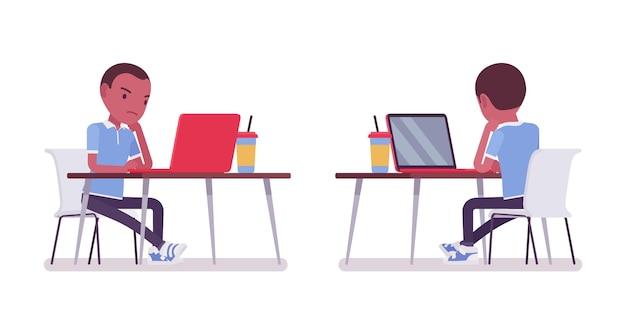 Zwarte schooljongen in vrijetijdskleding die bij laptop werkt. schattige kleine jongen, actief jong kind, slimme basisschoolleerling van 7, 9 jaar oud. vector vlakke stijl cartoon afbeelding, voor-, achteraanzicht
