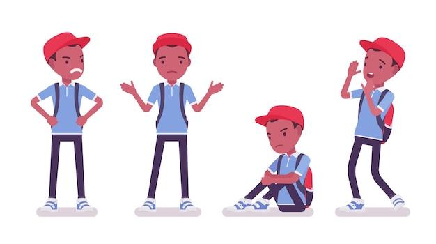Zwarte schooljongen in vrijetijdskleding, negatieve emoties