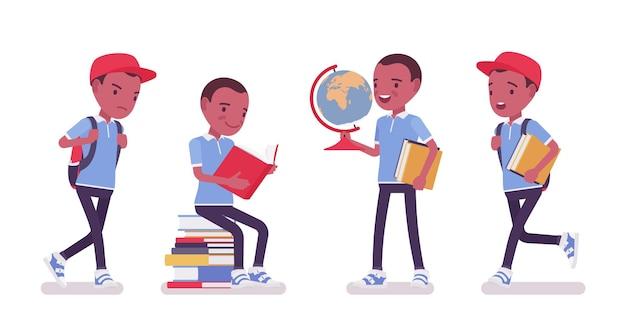 Zwarte schooljongen in vrijetijdskledingstudie met boeken, globe