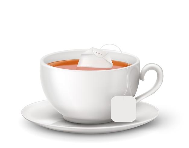 Zwarte thee met hete thee en theezakje in witte kop. illustratie