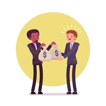 Zwarte zakenman geeft twee zakken geld aan de blanke man